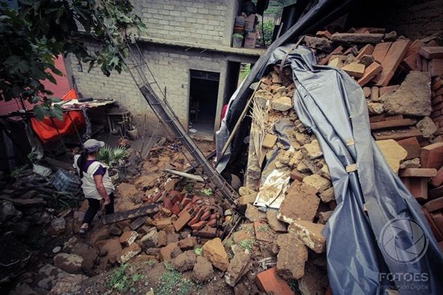 Ozolotepec: entre grietas se asoma la desolación por los daños tras el sismo
