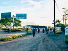 Con bloqueo presionan mototaxistas para ingresar a fraccionamiento en Tlacolula