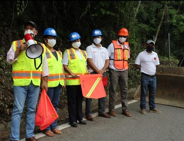 Inician siete obras carreteras en la Costa y Sierra Sur; invierten 177.82 mdp