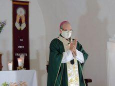 Pide arzobispo de Oaxaca cuidarse y no difundir farsas sobre la pandemia