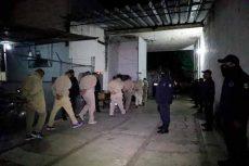 Trasladan a reos de Santa María Ixcotel a penal de Tanivet