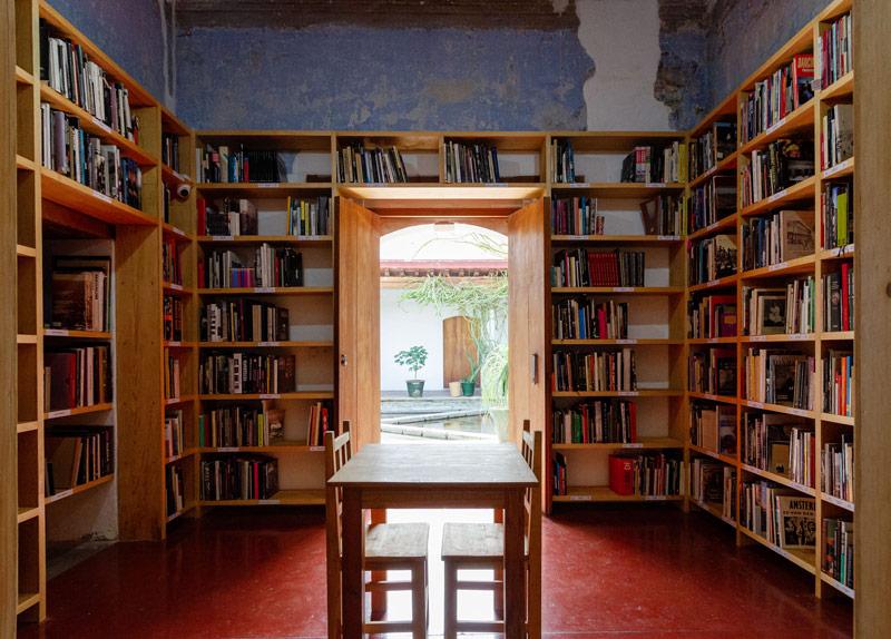 Inauguran biblioteca del Centro Fotográfico Manuel Álvarez Bravo