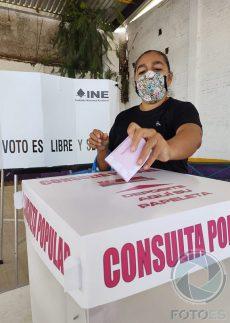 Participan oaxaqueños en Consulta Popular organizada por el INE