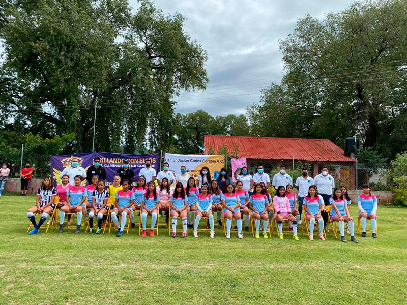 25 jugadoras conforman al primer equipo de balompié femenil semiprofesional en la Mixteca.