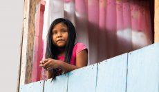Niños, niñas y adolescentes, profundamente afectados por la pandemia: directora de la OPS